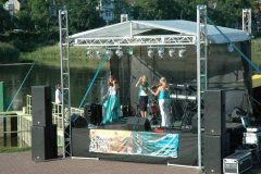 ii-letnia-scena-zamku-17-08-2012-01